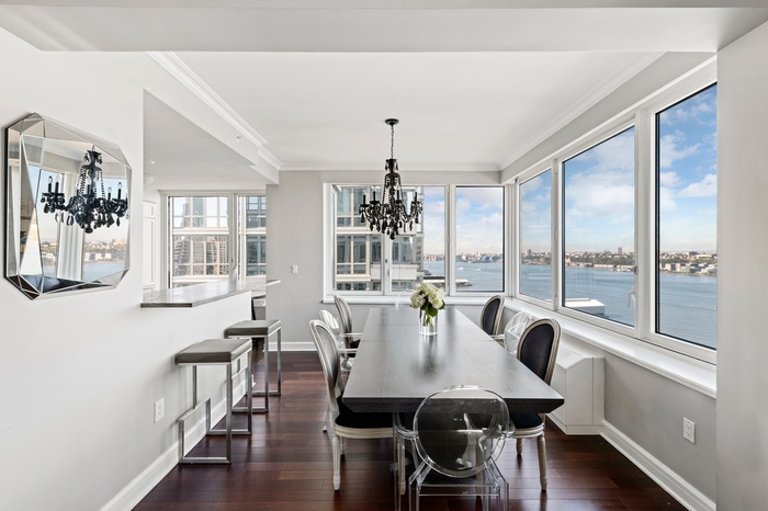 Stunning 3 Bedroom 3 Bathroom Residence with 3 exposures & fascinating Hudson river & city views | Riverside Boulevard, UWS